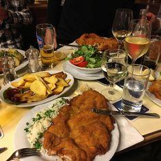 Wiener Schnitzel, Vienna, Delicious Food, Vacations, Camper, Germany, Foods, Meals, Travel