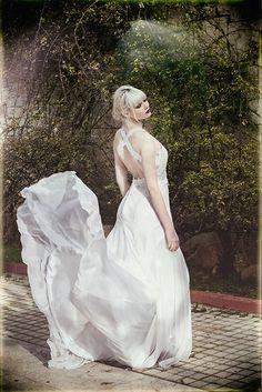 Eleni Kollarou / Open back silk and lace wedding dress