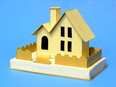 2 peak cottage cardboard finished 003-002.JPG