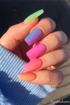In search for some nail styles and ideas for your nails? Here's our set of must-try coffin acrylic nails for cool women. Gradient Nails, Rainbow Nails, Gradient Nail Design, Galaxy Nails, Jennifer Hudson, Sexy Nails, Dope Nails, Summer Acrylic Nails, Best Acrylic Nails
