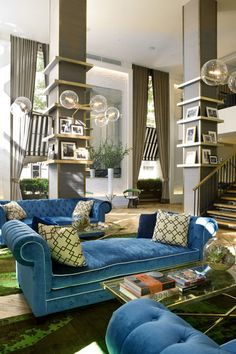 Welcome to The Roger New York a boutique hotel on the glamorous Madison Avenue in New York City with stylish rooms, chic interiors, and modern amenities. Nyc Hotels, New York Hotels, Lobby Lounge, Hotel Lobby, Park Hotel, Bohemian Hotel, A Boutique, Boutique Hotels, Outdoor Furniture Sets