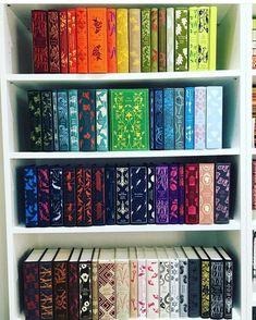 Rainbow Bookshelf Vibrant Rainbow Bookshelves That'll Make You Proud To . Book Writer, Book Nerd, Penguin Clothbound Classics, Penguin Classics, I Love Books, Books To Read, Deco Harry Potter, Beautiful Book Covers, Book Aesthetic