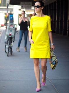bittersweet colours nyfw nyfw street style street style New York piol dress sophie hulme floral bag cooee jewelry neon yellow dress Ralph Lauren - Yellow Dresses - Ideas of Yellow Dresses Yellow Dress Casual, Neon Yellow Dresses, Pastel Yellow, Simple Dresses, Casual Dresses, Short Dresses, Summer Dresses, Chic Outfits, Dress Outfits