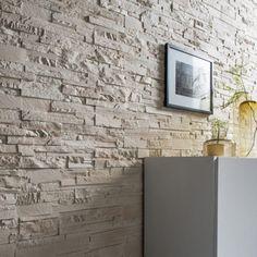 Plaquette de parement plâtre ivoire Antalya 15 euros le m2 chez LM => mur baie vitrée / fenêtre Accent Wall, Workspace Design, Tile Floor, Deco, Feature Wall, Home Deco, Sweet Home, Neutral Interiors, American Houses