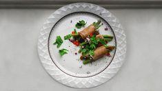 Bohnen im Schinkenmantel: Diese köstliche Beilage passt zu allen Fleischgerichten und hat durch das Dressing einen besonderen Pfiff. Jetzt ausprobieren!