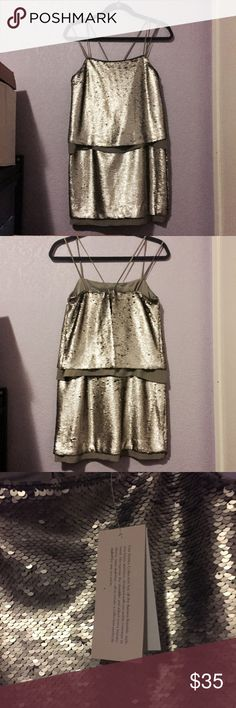 Banana Republic Silver Sequin Party Dress Beautiful Banana Republic dress that is awesome for a party! Retails at $198.00. NWT. Really comfy. Banana Republic Dresses Mini
