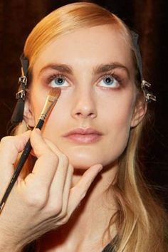 How to properly hide your under-eye circles!