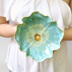 Home Decor Objects Ideas & Inspiration : pottery bowl Poppy Bowl ceramic soup bowl or salad size stoneware pottery Turquoise glaze via Etsy. Ceramic Clay, Porcelain Ceramics, Ceramic Bowls, Stoneware, Ceramic Poppies, Ceramic Flowers, Clay Flowers, Pottery Bowls, Ceramic Pottery