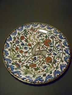 beautiful ikaros plate multicoloured, painted also at the back side size: cm condition perfect Rhodes, Pottery, Plates, Sculpture, Iranian, Tableware, Ottoman, Tiles, Beauty