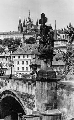 Prague of yesteryear. Courtesy of Vilém Heckel Archive Czech Republic, Prague, Archive, City, Places, Travel, Historia, Viajes, Cities