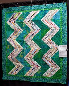 selvage quilt >> Amish Zig Zag, AnneMarie Cowley. Westside Quilters Show, OR