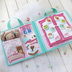Photo by Куклы 👧🐶🐈и их 🏠из фетра on October Aucune description de photo disponible. Diy Quiet Books, Baby Quiet Book, Felt Quiet Books, Quiet Book Templates, Quiet Book Patterns, Felt Doll House, Busy Book, Sewing Toys, Baby Sewing