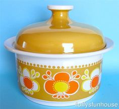 FIGGJO FLINT SAFRAN ROLF NORWAY ORANGE YELLOW FLORAL LARGE 2 LITRE LIDDED DISH