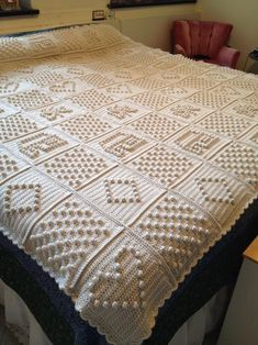 white inspiration blanket