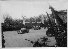 Paradă militară în Bucureștiul anului 1941 | Muzeul de Fotografie