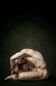 40 Photos of the Naked Male Body in Knots by Enrique Toribio Male Pose Reference, Figure Drawing Reference, Anatomy Reference, Photo Reference, Male Body Art, Male Ballet Dancers, Portraits, Yoga For Men, Male Yoga