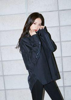 ok irin yaa sooyaaa__ blackpink blink kpop kpopturkey gneykore koreanturk korelitrk fanboy cute sexy koreangirl dance Jisoo Do Blackpink, Blackpink Jisoo, South Korean Girls, Korean Girl Groups, Blackpink Outfits, Dance Outfits, Black Pink ジス, Walpaper Black, Blackpink Members