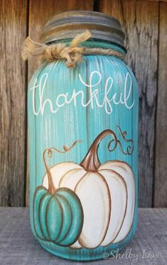 Hand painted Fall & Winter Mason Jar-Thankful-Let it Snow – Craft Fall Mason Jars, Mason Jar Diy, Tinting Mason Jars, Mason Jar Projects, Mason Jar Crafts, Pickle Jar Crafts, Mason Jar Christmas Crafts, Diy Projects, Thanksgiving Crafts