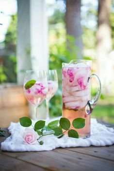 Wild Rose Petal Sangria - A refreshing summer drink that is lightly floral and soothing to the soul. Wild Rose Petal Sangria - A refreshing summer drink that is lightly floral and soothing to the soul. Cocktail Rose, Cocktail Drinks, Sparkling Drinks, Wild Rose Detox, Rose Sangria, Sangria Pitcher, Summer Sangria, Sangria Wine, Smoothies