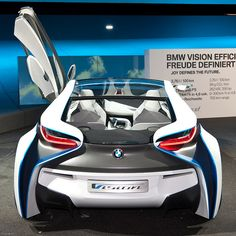 BMW Vision EfficientDynamics Concept Car - a hybrid vehicle with and a emission of just And it is a diesel! Update August until 2013 BMW will realize a sports car (project name that is based on this concept car. This new Do you have a car like this? Luxury Sports Cars, Cool Sports Cars, Sport Cars, Cool Cars, Lamborghini, Ferrari, Colani Design, 1963 Corvette Stingray, Carros Bmw