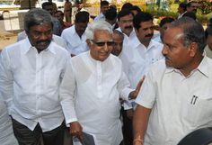 Karnataka Speaker puts BJP rebels' resignation on hold