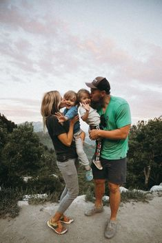 Amber David Atticus and Rosie on their summer camping trip in Utah. Barefoot B Fotos Camping Near Me, Camping Spots, Family Camping, Tent Camping, Camping Hacks, Family Travel, Camping Gear, Family Trips, Camping Checklist