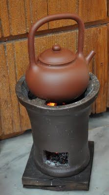 Nilu and zisha kettle to boil water with activated bamboo charcoal for tea. Diy Wood Stove, Kitchen Essentials List, Japanese Style House, Cooking Stove, Tea Culture, Happy Kitchen, Japanese Tea Ceremony, Rocket Stoves, Tea Art
