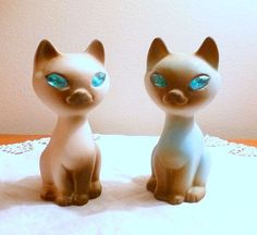 Received for my Birthday! Cat Figurines 1950s  Siamese Cats w Turquoise Eyes by TrashMaMa