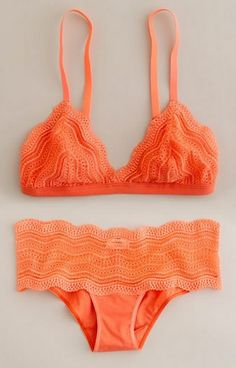 Such a cute swimsuit. Love.