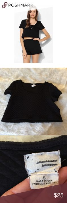Coincidence Chance Quilted Swing Tee This top is super cute! Size small. Smoke and pet free home. No trades. No flaws like stains or holes. Don't like the price? Make an offer! 😊👍🏼 Urban Outfitters Tops Crop Tops