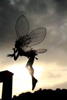 イギリスで発見された「鋼鉄の妖精」の魅力が世界中で話題に!美しすぎる・・・