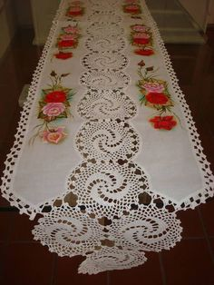 Crochet lace tape,, tape lace as table runner Free Crochet Doily Patterns, Crochet Motifs, Crochet Dishcloths, Crochet Squares, Filet Crochet, Irish Crochet, Crochet Doilies, Crochet Flowers, Crochet Stitches