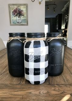 Black and White Gingham - Buffalo Plaid Mason Jars – The Rustic Peach Country Decor, Rustic Decor, Decorating Tips, Decorating Your Home, Plaid Bedroom, White Bedroom, Mason Jars, Pots, Bois Diy