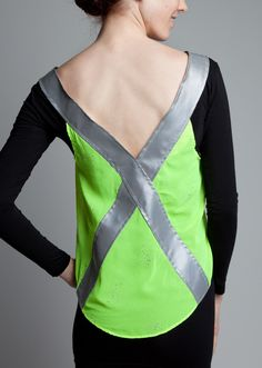 sew a reflective bicycling vest Chiffon, Pattern Drafting, Bicycling, Sewing Projects, Safety, Textiles, Bike, Running, Night