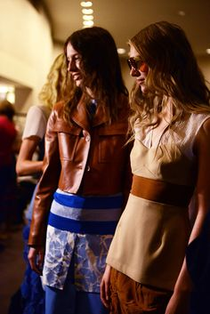Jonathan Saunders spring 2015 rtw - behind the scenes Jonathan Saunders, Spring 2015, Tan Leather, Backstage, What To Wear, Personal Style, Vogue, Cobalt Blue, Collection