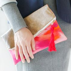 A step by step guide for making a clutch with personality.