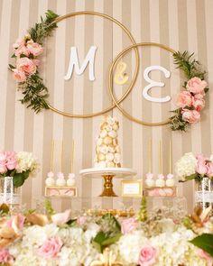 Bom dia com essa linda decoração para um noivado! #Repost @fabspartydesigns ・・・ Comenzamos el día de hoy llenos de amor con esta romántica celebracion ❤❤ Save the Date for Marilyn & Eduardo... Fue un placer celebrar con ustedes ❤❤ Macaron Tower and Cakepops by my friend @paolascreations and Photos by @luisv8 #wedding #boda #savethedate #celebration #bride #novia #novios #mrandmrs #eventplanner #partydesigner #parisstyle #bodacivil #compromiso #love #fabslove #macarons #cakepops #dessert...