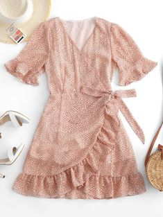 Ditsy Floral Ruffles Wrap Mini Dress - In Fashion Hub Casual Work Dresses, Cute Casual Outfits, Dresses For Work, Summer Dresses, Vestidos Plus Size, Mini Vestidos, Mode Pastel, Dress Outfits, Fashion Outfits