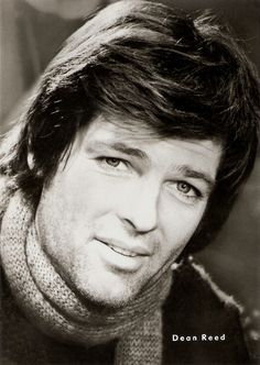 Mike Brant, Actor Model, Music Love, Elvis Presley, Old Photos, Gq, Movie Stars, Pin Up, Hollywood