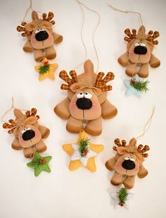 Welcome USA epattern por ilmondodellenuvole en Etsy Reindeer Ornaments, Clay Ornaments, Felt Christmas Ornaments, Noel Christmas, Christmas Projects, Holiday Crafts, Christmas Decorations, Clay Projects, Clay Crafts