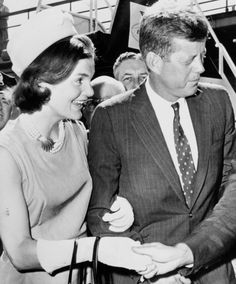 President John F. Kennedy and his wife, First Lady Jacqueline Kennedy Jfk And Jackie Kennedy, American Spirit, American Presidents, History Books, The Past, Couple Photos, Celebrities, Lady, Usa President
