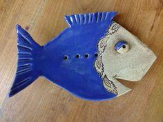 http://de.dawanda.com/product/65953503-Seifenschale-Fisch-Badezimmer-Keramik-Unikat