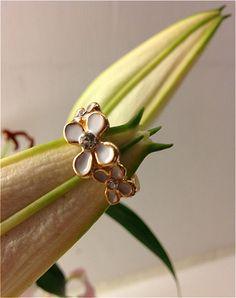Lacquered White Chrysanthemum Ring by atLittleParis on Etsy, HKD93.00