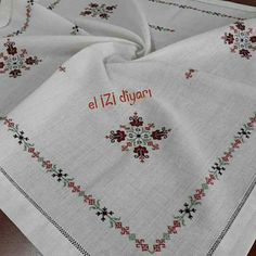 Palestinian Embroidery, Baby Knitting Patterns, Elsa, Embroidery Designs, Blackwork, Diy And Crafts, Cross Stitch, Sewing, Bath Linens