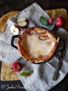 Apfelpfannkuchen aus dem Ofen Apple pancakes from the oven Related posts: No related posts. Potato Recipes Crockpot, Healthy Potato Recipes, Oven Recipes, Crispy Potatoes In Oven, Baked Potato Oven, Dutch Recipes, Fancy Recipes, Foil Pack Meals, Easy Cheese
