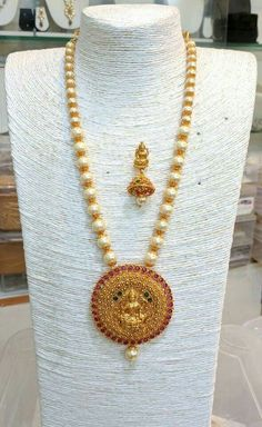 Gold Jewelry For Cheap Coral Jewelry, Pendant Jewelry, Bridal Jewelry, Beaded Jewelry, Gold Mangalsutra Designs, Gold Jewellery Design, Gold Pendent, Pearl Set, Jewelry Patterns
