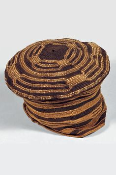 Africa | Prestige hat from the Bamileke people of Cameroon | Crocheted cotton African Crown, African Hats, African Fashion, Crochet Hat With Brim, Knitted Hats, Crochet Hats, African Textiles, Wide-brim Hat, Tejidos