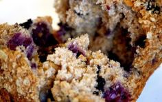 The Fitness Freak: Clean Eating Recipe of the Week: Blueberry Oat Bran Muffins Healthy Muffin Recipes, Clean Eating Recipes, Healthy Desserts, Real Food Recipes, Cooking Recipes, Healthy Food, Eating Clean, Healthy Muffins, Eating Healthy