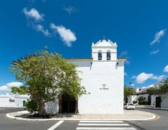 Lanzarote Yaiza, travelphotography by Timo Kellenberger Mansions, House Styles, Home Decor, Lanzarote, Decoration Home, Manor Houses, Room Decor, Villas, Mansion