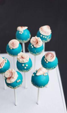 Beach cake pops under the sea shell cake pops cake pops beac Wedding Cake Pops, Themed Wedding Cakes, Wedding Cakes With Cupcakes, Cupcake Cakes, Beach Wedding Cakes, Cakepops, Beach Cake Pops, Bar Deco, Chocolates